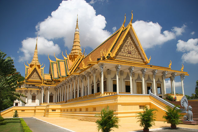 package_3944_phnompenh_cnt_26nov09_iStock_646