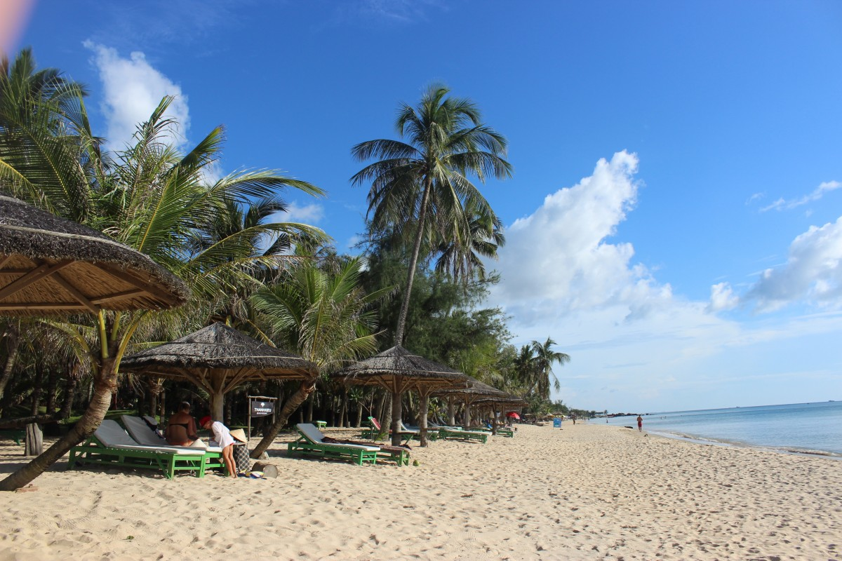 The sandy beaches in phu quoc, a great addition to your two week vietnam itinerary