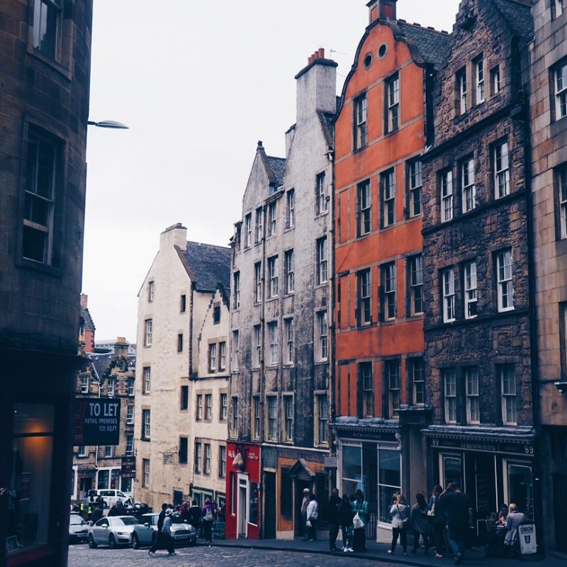Victoria street in Edinburgh is said to be the inspiration behind Diagon Alley. Therefore it is a popular stop for people looking for harry potter locations in edinburgh