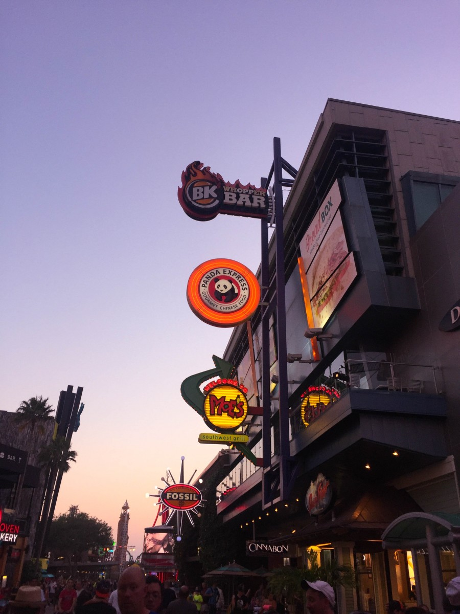A view of the restaurants inside universal city walk orlando