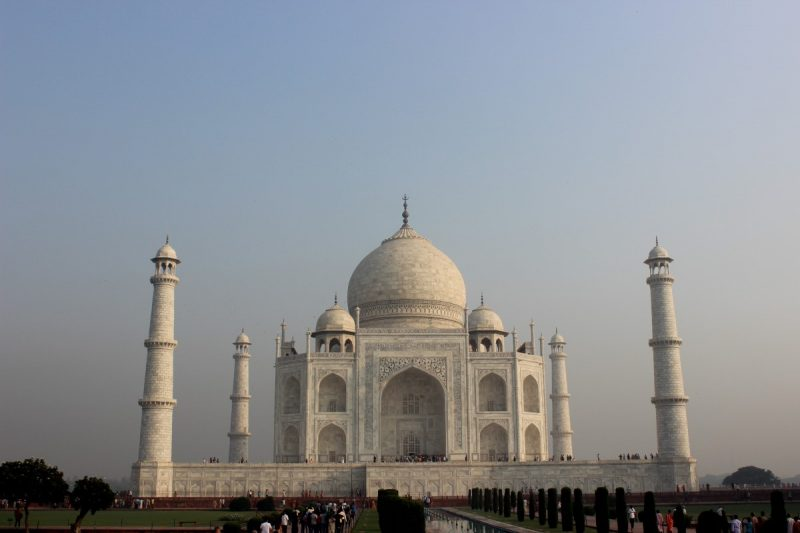a view of the Taj Mahal at opening, arrive at opening for the best view of the taj mahal