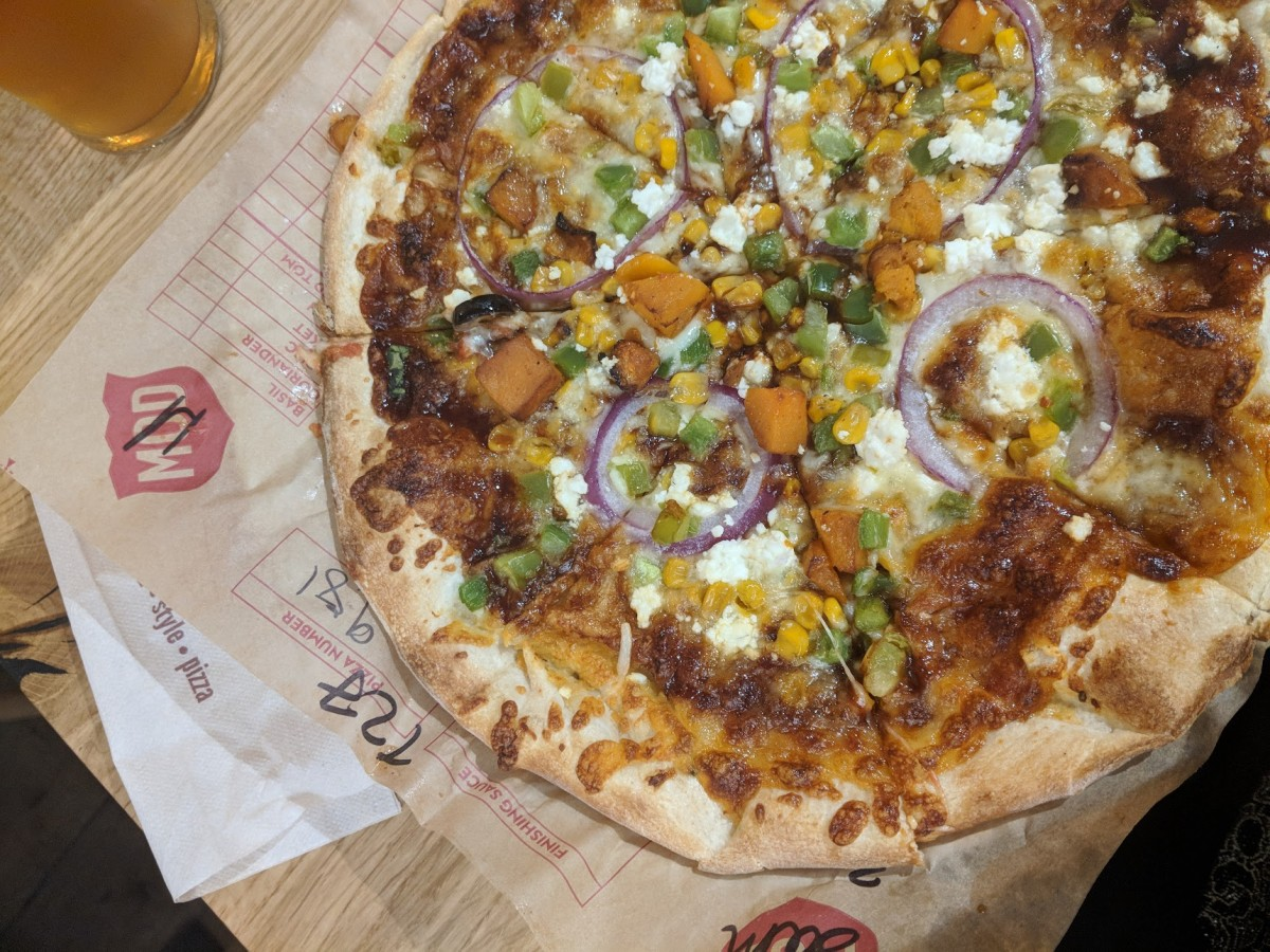 create your own pizza at mod pizza in leicester square