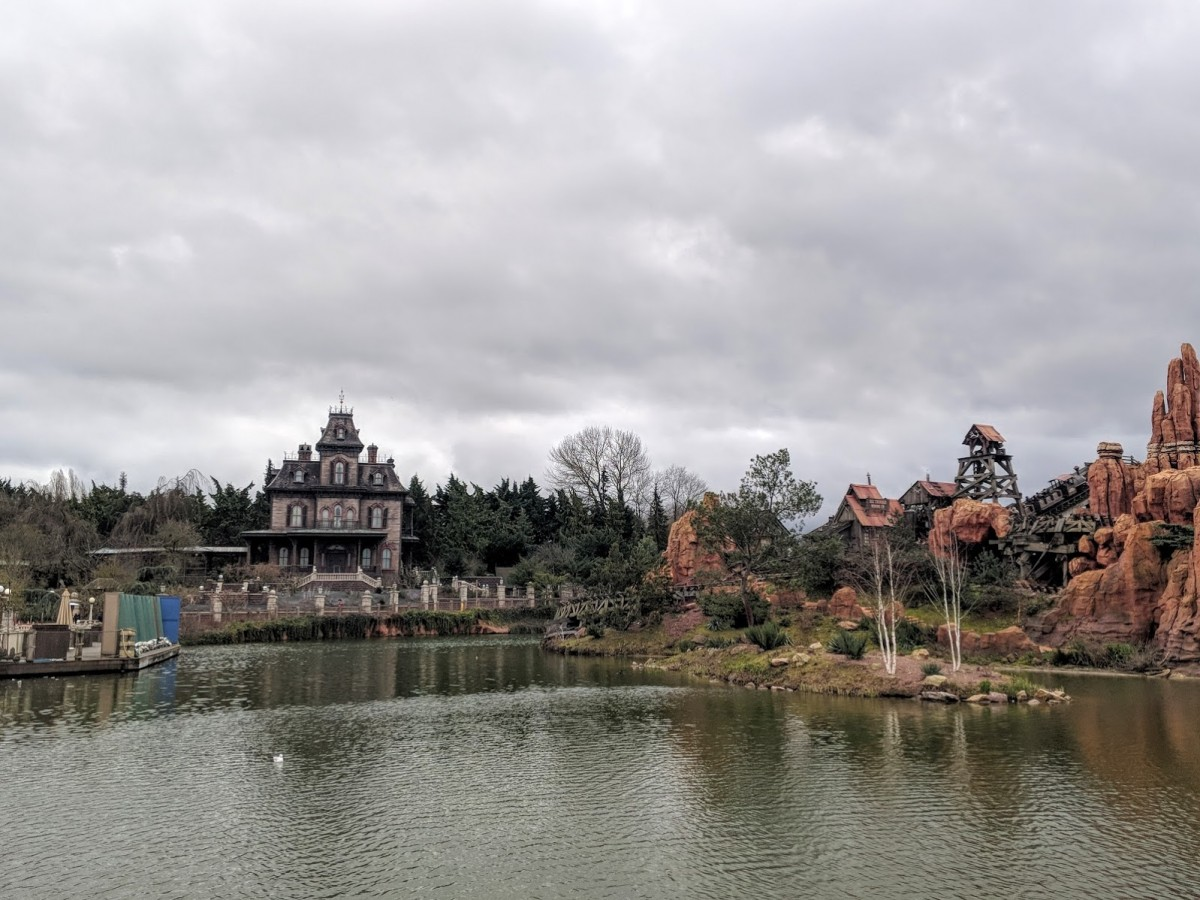 big thunder mountain and the haunted mansion in paris