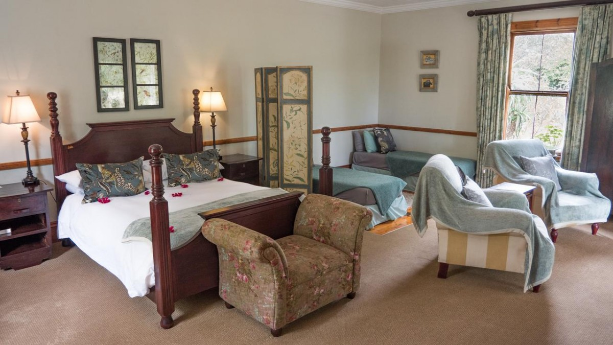 room inside leeuwenbosch country house, amakhala game reserve
