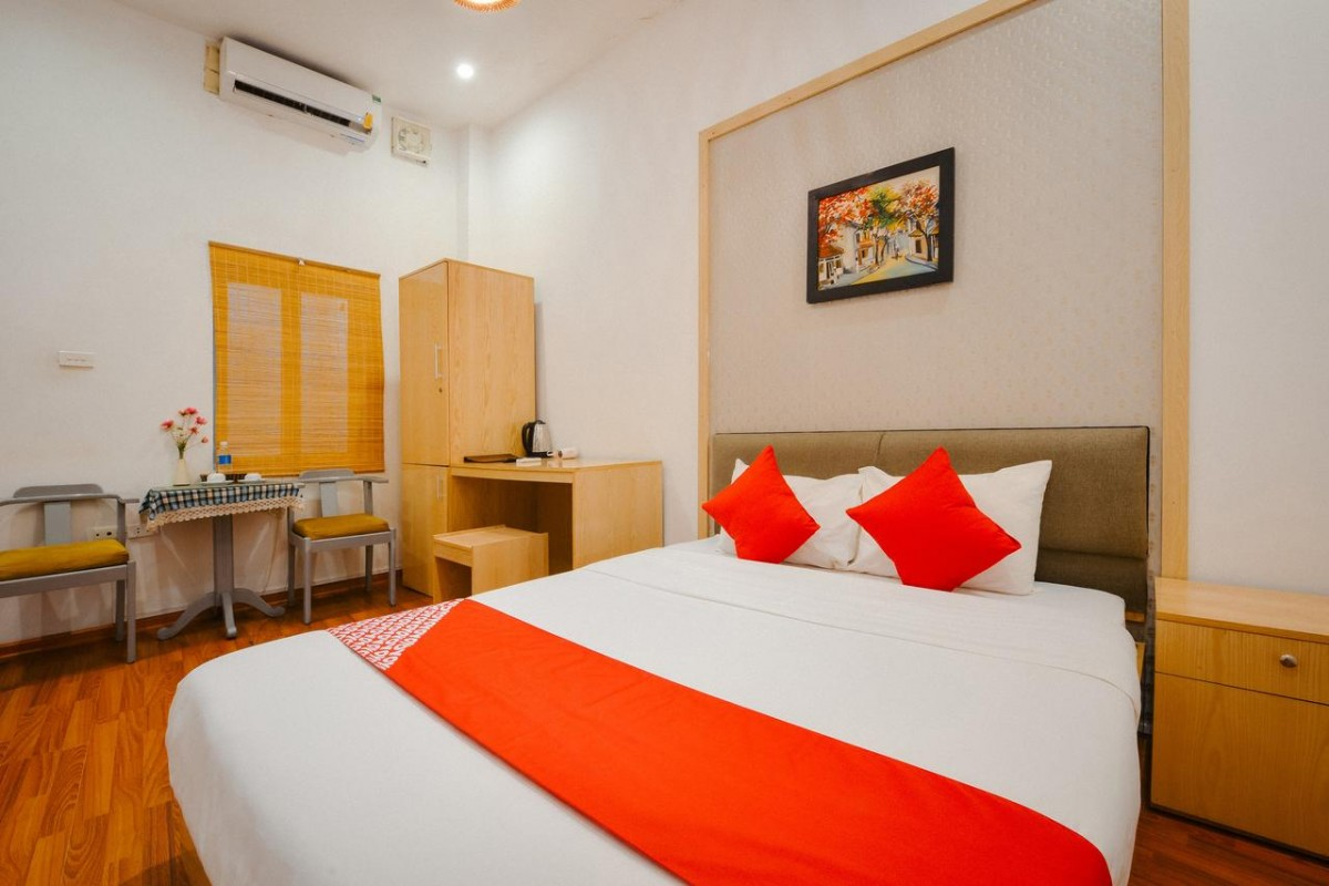 a room at the OYO 268 Pavilion Hotel Hanoi, a great budget hotel in hanoi old quarter
