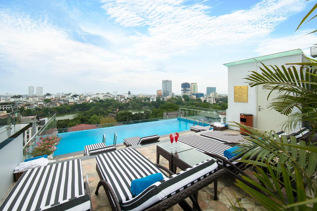 roof top pool hotel in hanoi