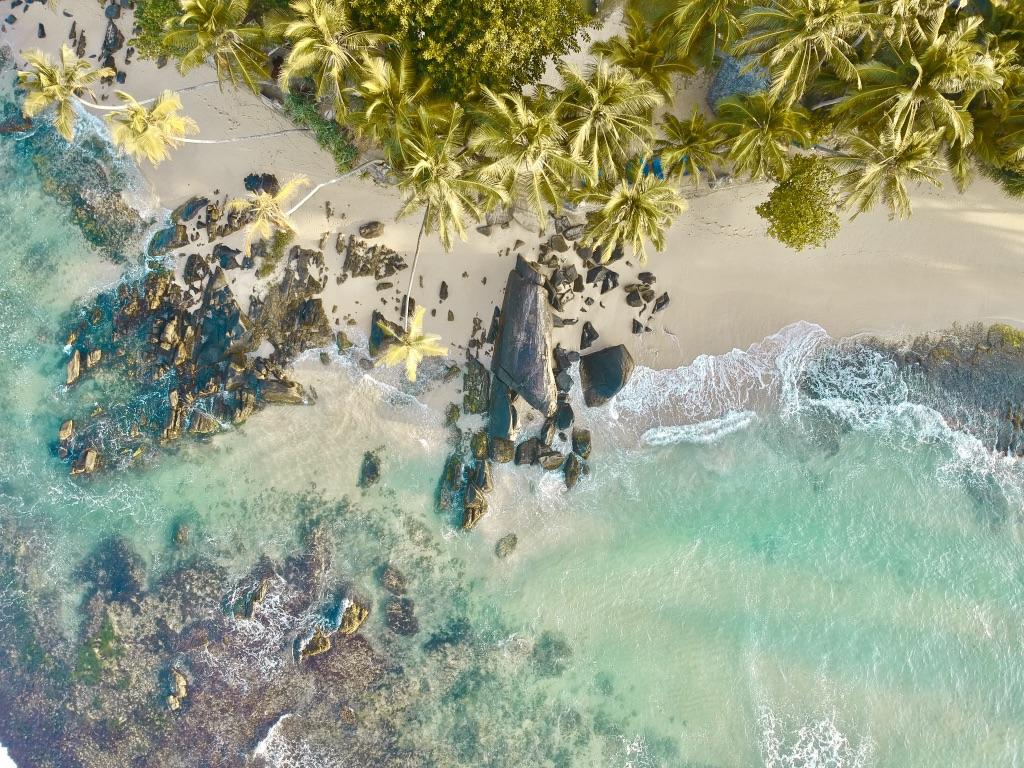 sri lanka drone dalawella beach unuwatuna