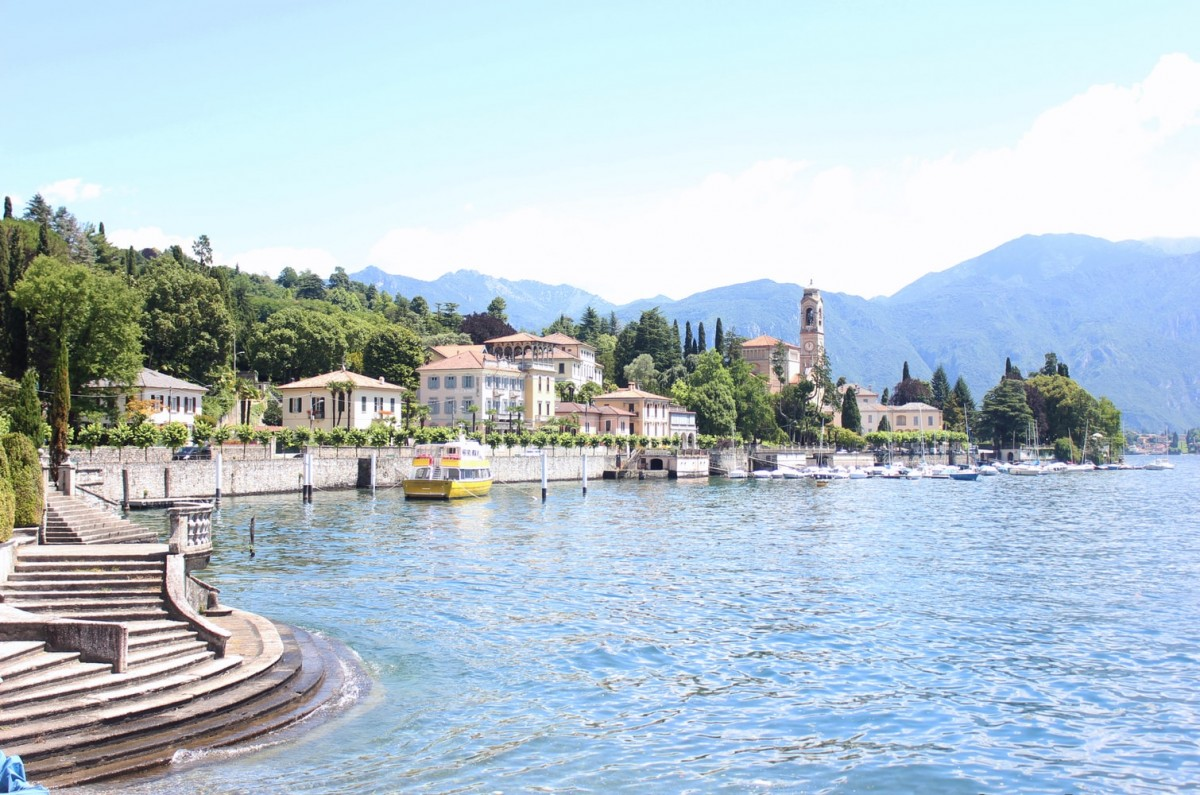 view of lake como including the lake with houses
