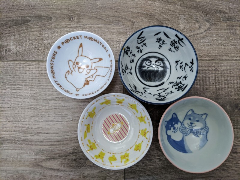 ceramic dishes are a great souvenir to buy from japan