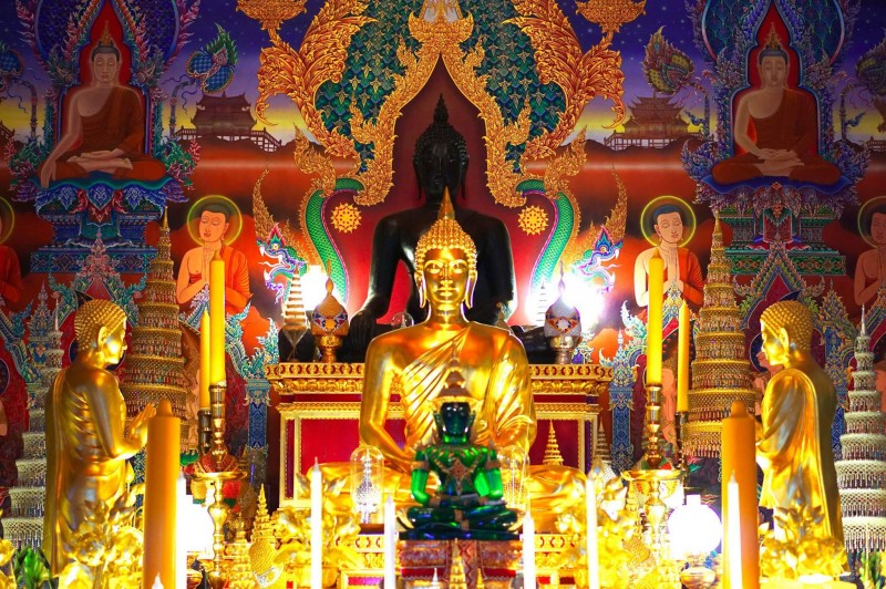 inside wimbledons thai temple