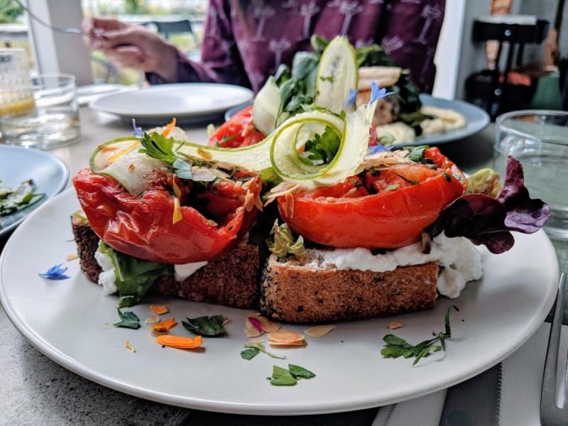 op det hak - a vegetarian restaurant in rotterdam